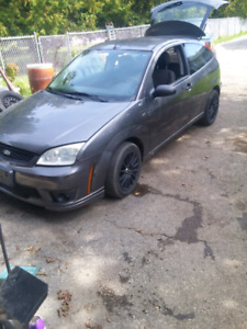 2007 ford focus hatch back 2dr..