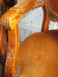 6 Antique Fauteuil Louis XIV Carved Wood Hobnail Chairs & Table