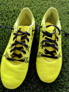 Size 4.5 Turf cleats