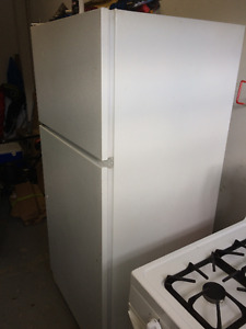 GE Refrigerator White in good shape
