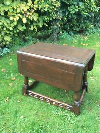 Priory oak swivel top table