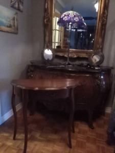 Antique colonial console entrance table