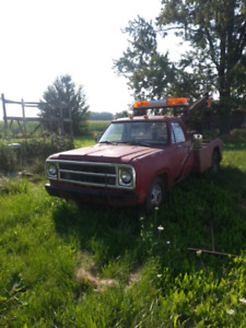 1980 dodge  tow truck