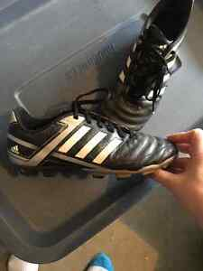 Adidas size 5 outdoor soccer cleats