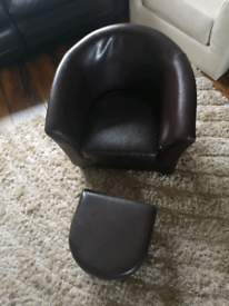 Childs tub chair and foot rest