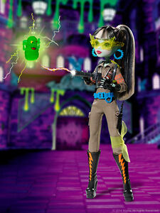 SDCC 2016 Exclusive Monster High GHOSTBUSTERS FRANKIE STEIN Doll PRESALE Sold Ou