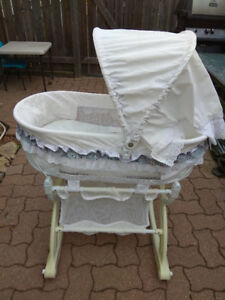 Baby bassinet - good condition