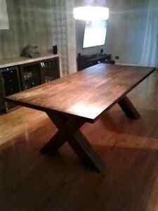 Table en bois sur mesure
