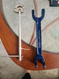 Basin wrenches