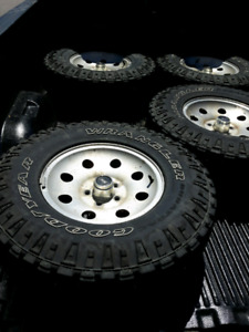31x10.5xR15 Durateac Tires