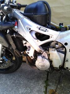 YAMAHA R6 2000 PARTING OUT Windsor Region Ontario image 3