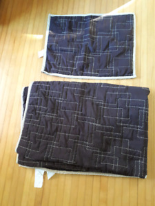 Twin sized bedspread and sham cover