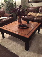 SOLID WOOD GORGEOUS COFFEE TABLE