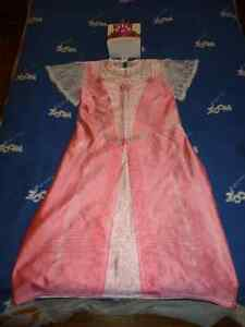 Barbie Costume size medium for 6-9 years old girl