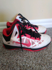 Nike basketball shoes size 9.5