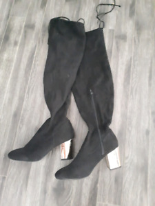Size 10 wide calf knee high boots