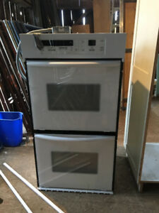 Double wall oven and cupboard unit