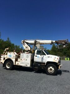 1997 GMC 6500 cable placing bucket truck for sale