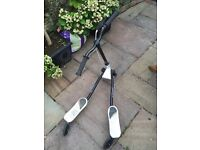 Pair of flicker Y scooters