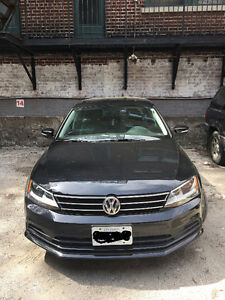 2015 Volkswagen Jetta Trendline+ **Sunroof and heated seats**