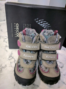 Geox winter boots size 7