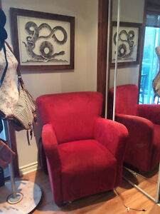 1 PERSON RED COUCH NEEDS A NEW HOME