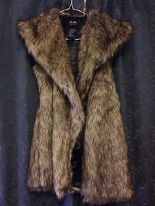 Me jane faux fur vest, brand new!/Can deliver to some places