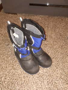 Size 6 boys winter boots