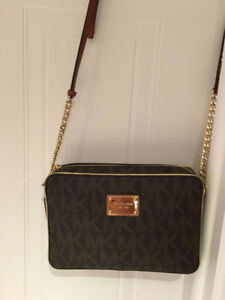 Michael Kors Signature Crossbody