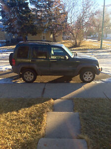 2003 Jeep Liberty Green SUV, Crossover