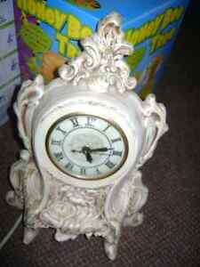 1973 MANTLE CLOCK Sarnia Sarnia Area image 1