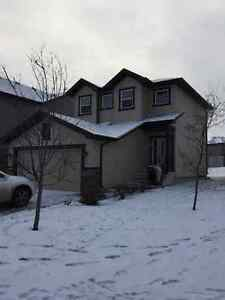 Spacious home (3 levels) for rent in Spruce Grove