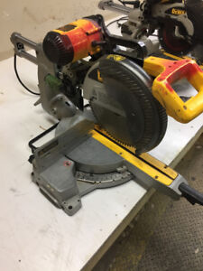 12 inch dewalt sliding compound mitre saw