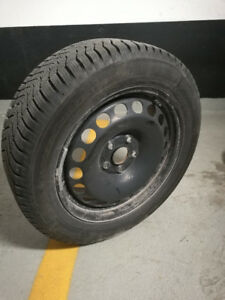 205/55/R16 CONTINENTAL WINTER Contact sur Jante/ON RIM
