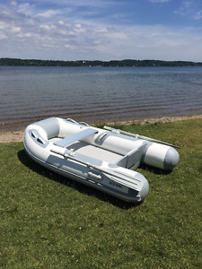 Barely used Zodiac Cadet Aero 230 (inflatable/roll-up)