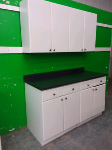 Upper & lower Cabinets