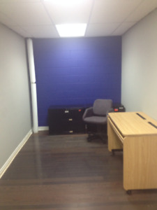 Office for rent Canotek park $250.00 to $350.00 internet include