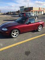 Mazda Miata mx5. Mint and ready for spring  75,000 km