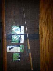 VINTAGE 25 INCH, ICE - FISHING ROD and TACKLE$12.00