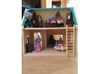 Sylvanian Family House, Christmas Set and Family