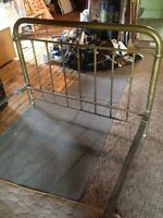 Antique brass bed 3/4