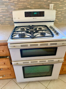Jenn-air gas stove- white cheap!!