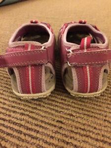 Toddler girl size 12 (EU 30) - Geox sandle/shoe London Ontario image 3
