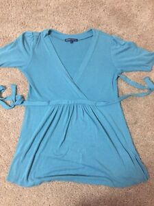Turquoise top-perfect condition- small
