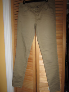 American Eagle Outfitters jeggings.