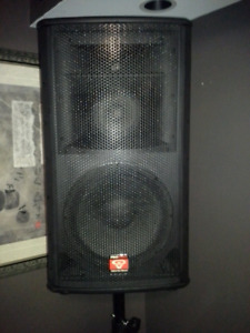 Cerwin vega pro stax 3 way speakers plus 2  18 inch subwoofers