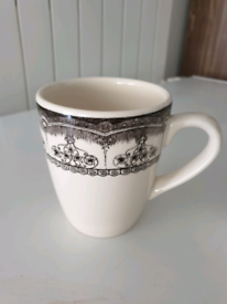 6 cream black tea mugs