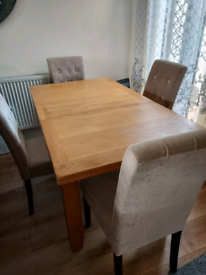 Solid Dining Table & 4 Buttoned High Back Chairs