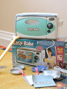 Four Easy Bake/ Easy Bake oven
