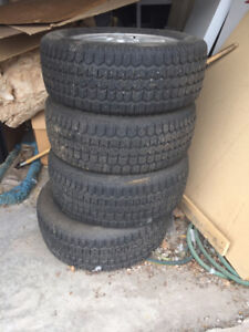 4 225/60R16 snow tires with rims